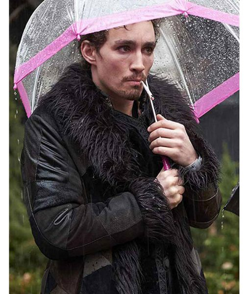 robert-sheehan-the-umbrella-academy-coat