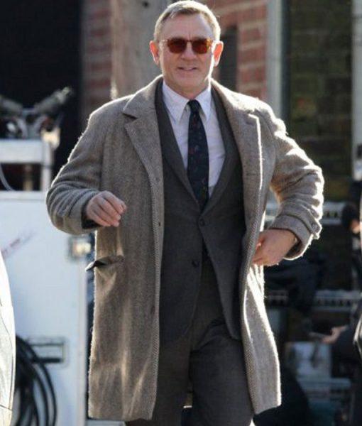 daniel-craig-grey-coat