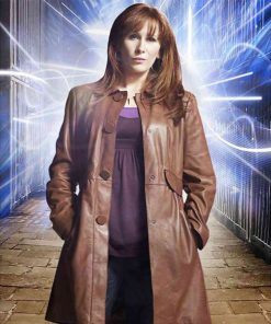 catherine-tate-leather-coat