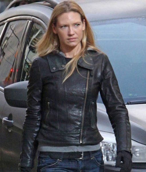 fringe-anna-torv-leather-jacket