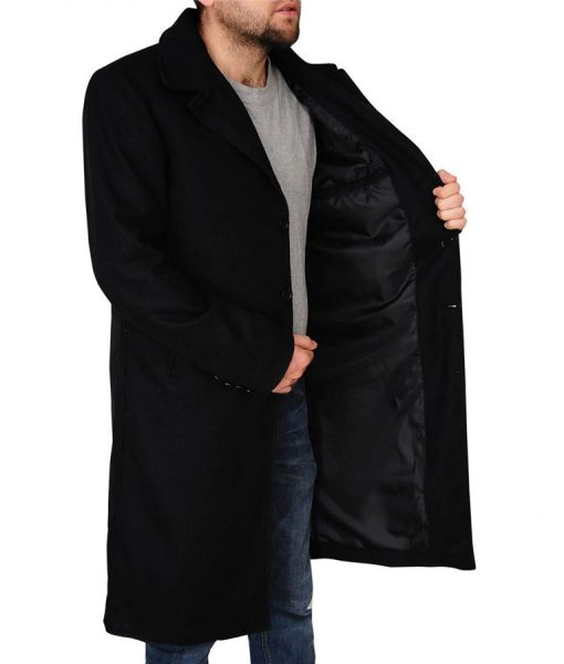 red-dead-redemdtion-2-black-coat
