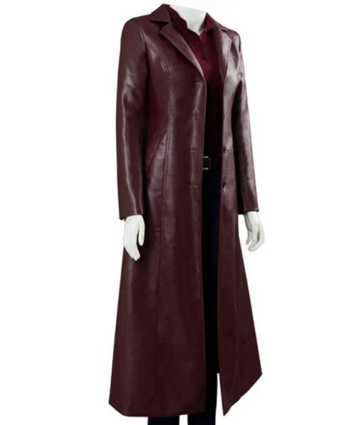 sphie-turner-leather-coat