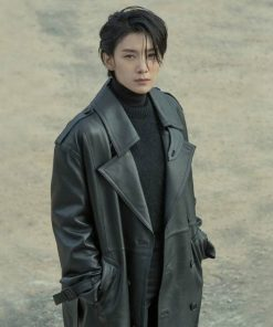 cha-young-jin-leather-coat