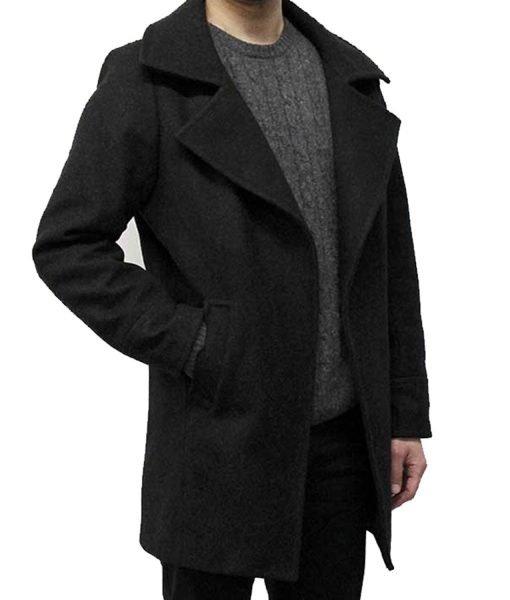 resident-evil-8-black-coat