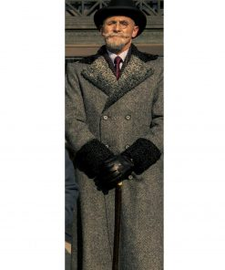 reginald-hargreeves-coat