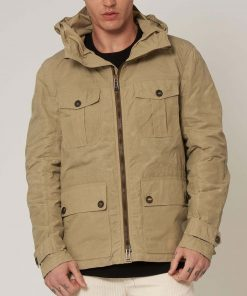 6-underground-ryan-reynolds-hooded-jacket