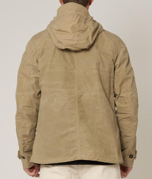 6-underground-ryan-reynolds-jacket