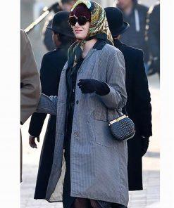 emma-stone-cruella-coat