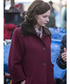 rebecca-ferguson-despite-the-falling-snow-coat