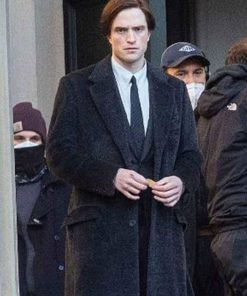 robert-pattinson-the-batman-coat