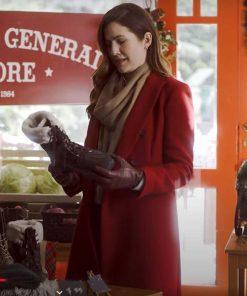 jessica-perez-red-coat