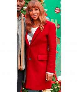 holly-robinson-peete-coat
