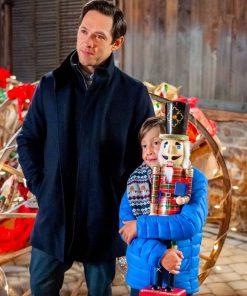 the-christmas-bow-patrick-coat
