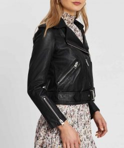riverdale-season-05-lili-reinhart-leather-jacket