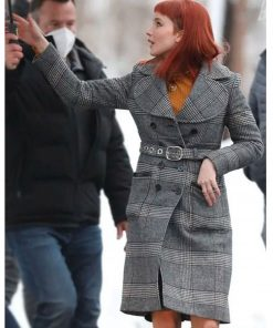 jennifer-lawrence-dont-look-up-checked-coat
